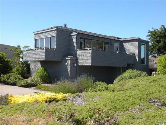221 Condor Ct, Bodega Bay, CA 94923