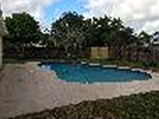 10707 Summertime Ln, Royal Palm Beach, FL 33411
