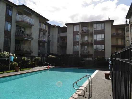 10501 8th Ave NE APT 406, Seattle, WA 98125