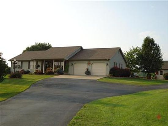 2677 S Meridian Rd, Mitchell, IN 47446