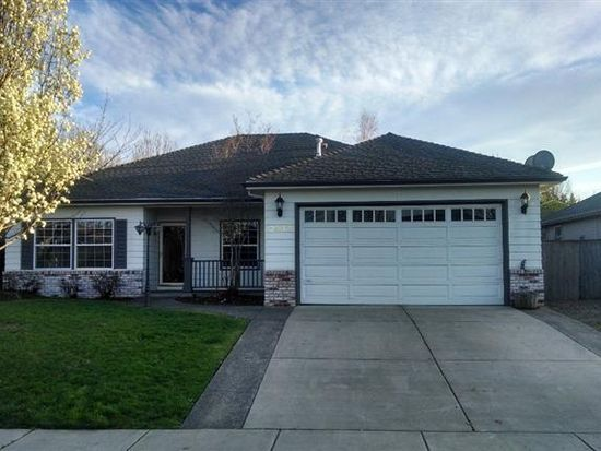 2532 Beebe Rd, Central Point, OR 97502