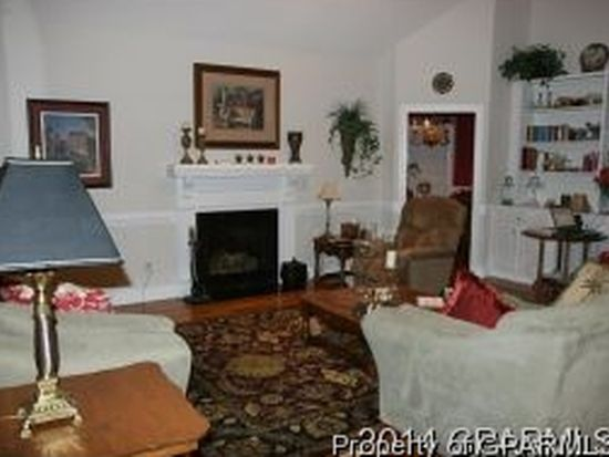 948 Sunnyfield Dr, Greenville, NC 27858
