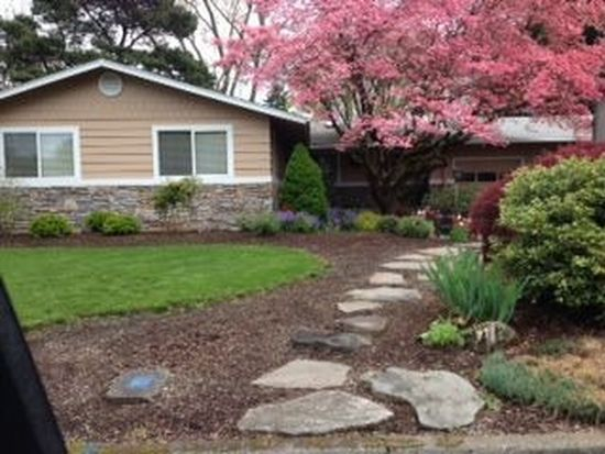850 N Hawthorne Ct, Canby, OR 97013