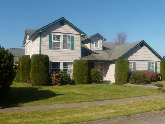 2351 Olympia Ln, Longview, WA 98632