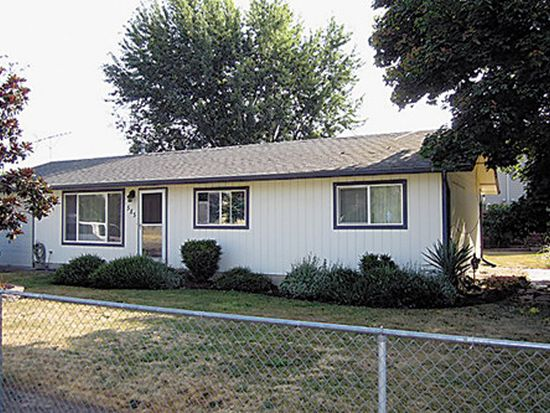 585 N Spruce St, Mount Angel, OR 97362