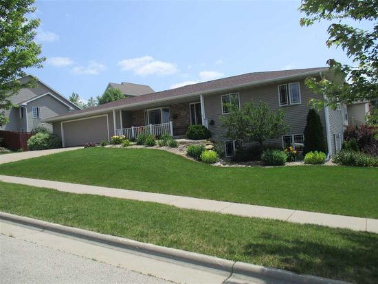 605 Lucky Trl, Mount Horeb, WI 53572