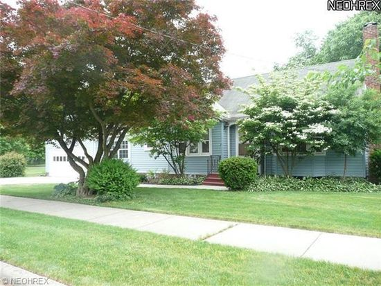 1450 Woodbine Ave, Akron, OH 44313