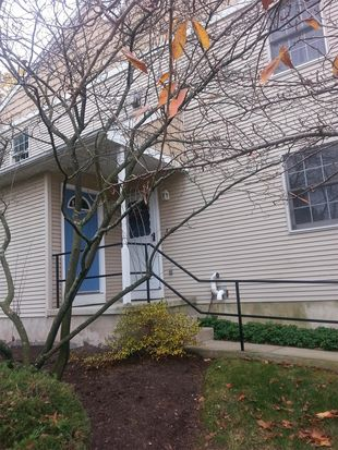 605 Maplewood Ave, Mohnton, PA 19540