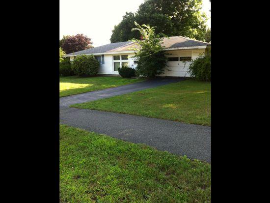 8 Donna St, Peabody, MA 01960