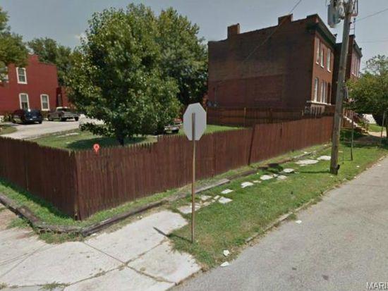 2623 Victor St, Saint Louis, MO 63104