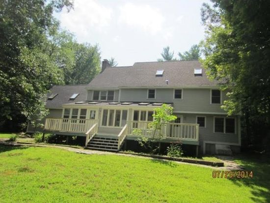 63 Perry Rd, Bedford, NH 03110