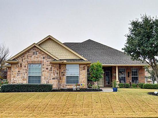 812 Evandale Rd, Burleson, TX 76028