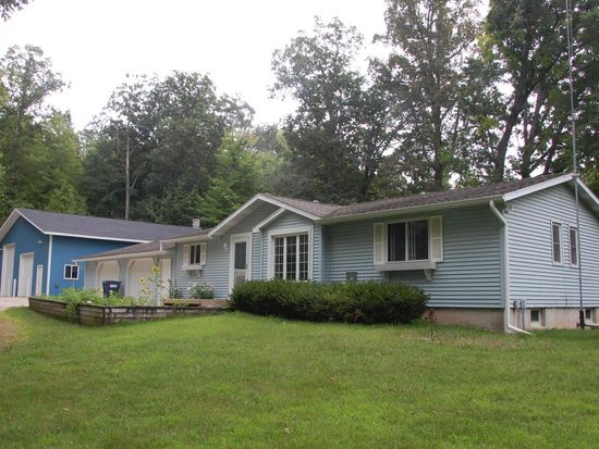 6286 E 124th St, Sand Lake, MI 49343