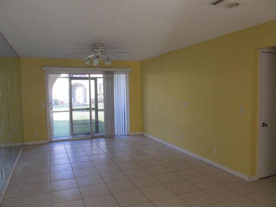 1735 El Camino Rd APT 4, Jacksonville, FL 32216