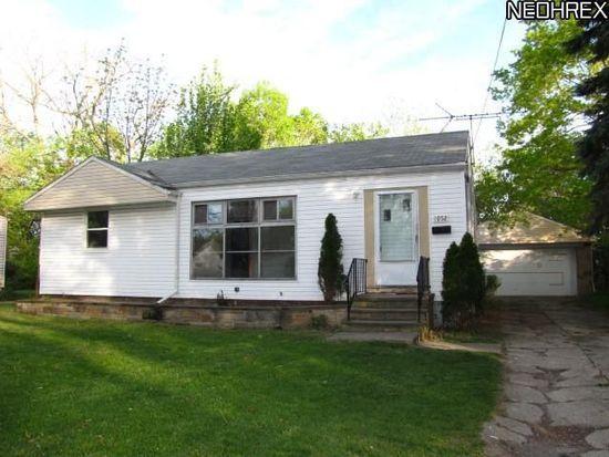 1952 Ridgehill Rd, Cleveland, OH 44121