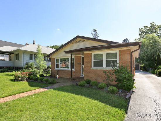 469 N Maple Ave, Elmhurst, IL 60126