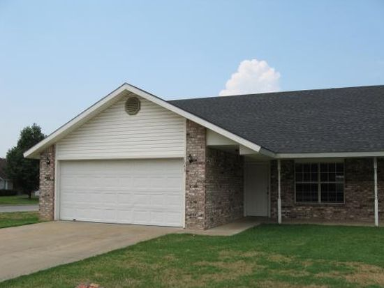 1643 N Stable Ave, Fayetteville, AR 72703