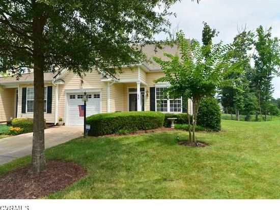 1517 Providence Knoll Dr, North Chesterfield, VA 23236