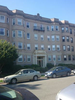 85 Park Dr APT 25, Boston, MA 02215