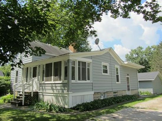 108 S River St, East Dundee, IL 60118