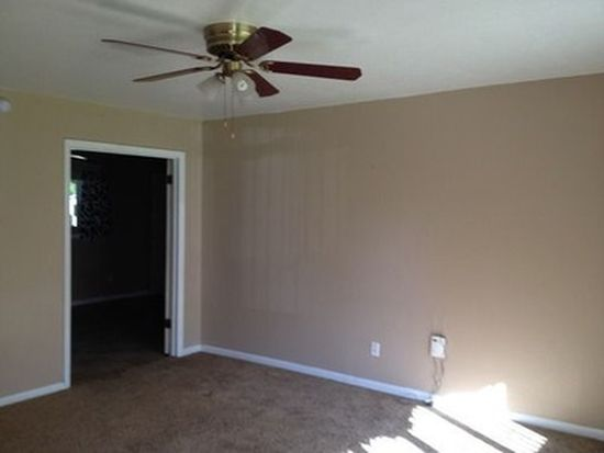3004 Futura Dr, Roswell, NM 88201