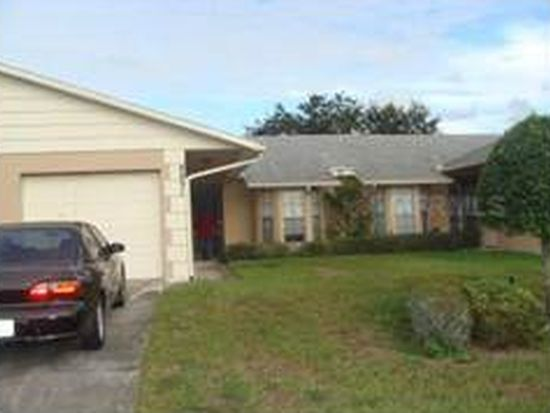 8831 Manos Cir, New Port Richey, FL 34655