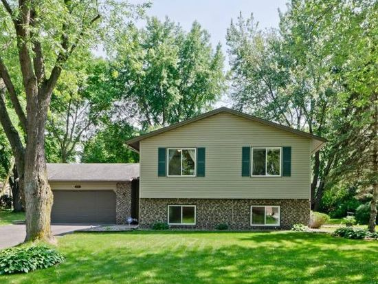 694 Maple Pond Ct, Shoreview, MN 55126