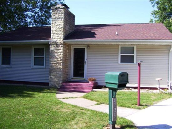 4124 N Division St, Davenport, IA 52806