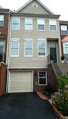 14656 Seasons Dr, Centreville, VA 20120