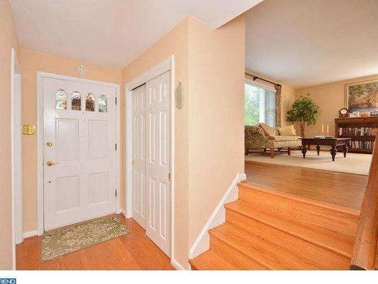 1402 Hunters Ln, West Chester, PA 19380