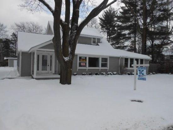 441 Lakeside Rd, Crystal Lake, IL 60014