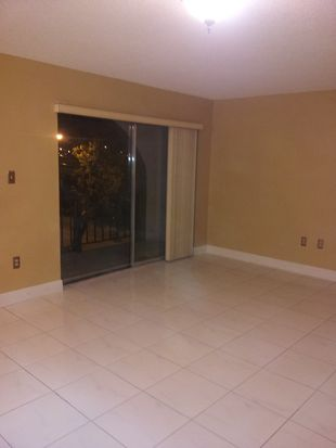 300 W 74th Pl APT 301, Hialeah, FL 33014