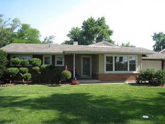 380 Walnut Ln, Elk Grove Village, IL 60007