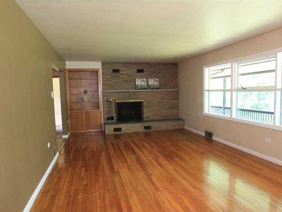 28 Millersdale Rd, Jeannette, PA 15644