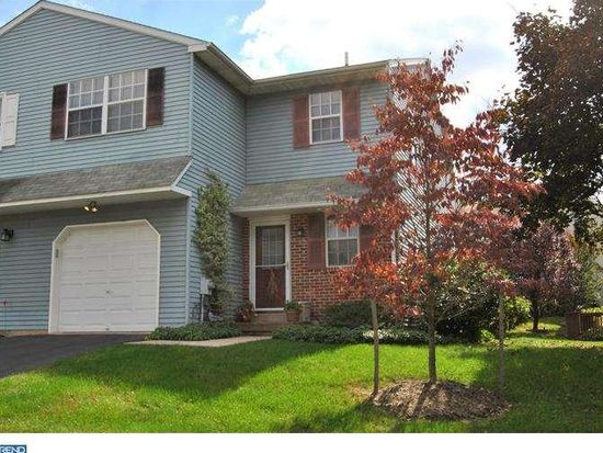 226 Red Haven Dr, North Wales, PA 19454