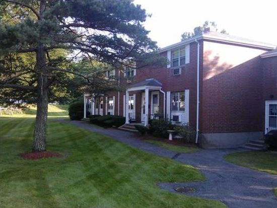 16 Village Green Dr UNIT 16, North Andover, MA 01845