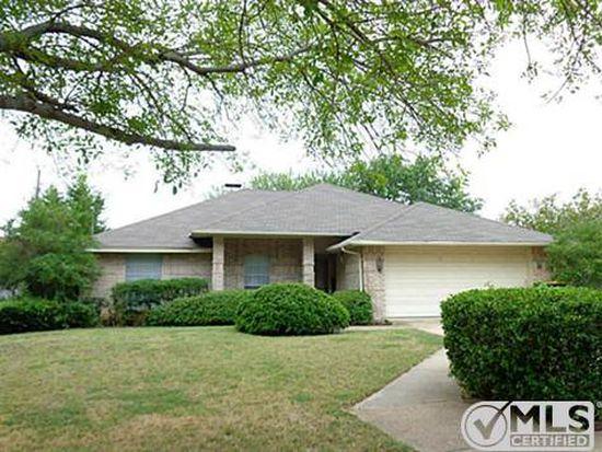104 Briarglen Dr, Cedar Hill, TX 75104