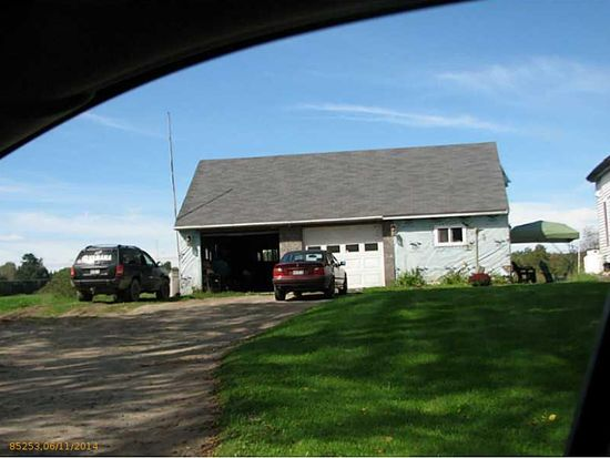 648 Bangor Rd, Benton, ME 04901