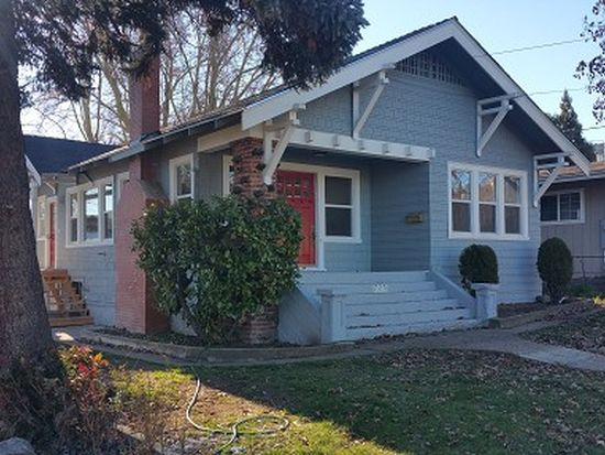 725 Jackson St, Yreka, CA 96097