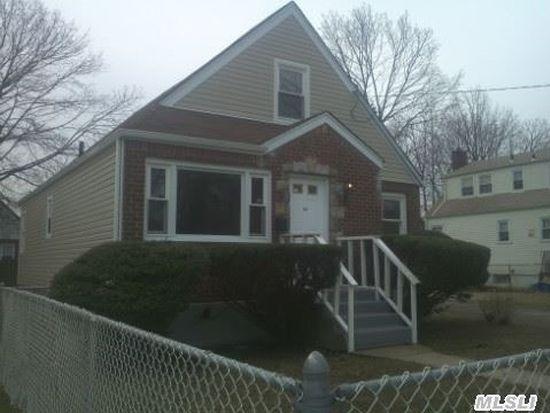 34 Bernhard St, Hempstead, NY 11550