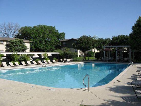 102 Vanderheck St APT 2, San Antonio, TX 78209
