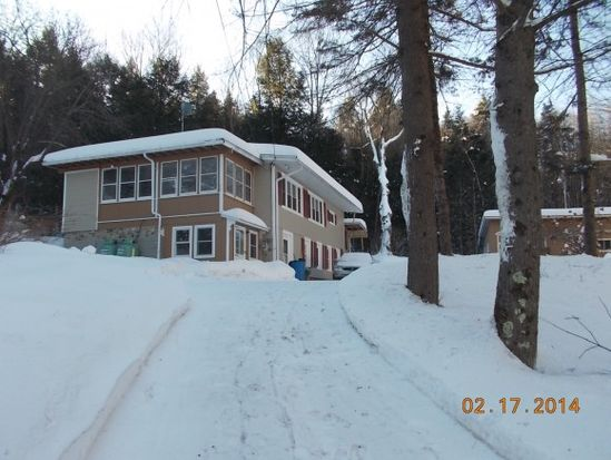 457 Sugar River Dr, Claremont, NH 03743