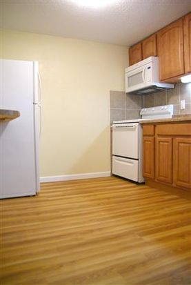 2425 Laclede Station Rd APT 13, Maplewood, MO 63143