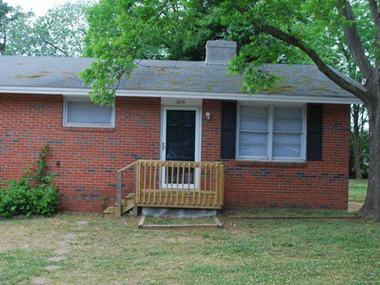 1618 Honeysuckle Rd, Raleigh, NC 27609