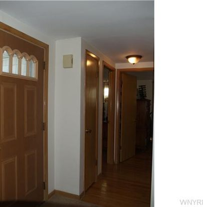 650 Heim Rd, Getzville, NY 14068