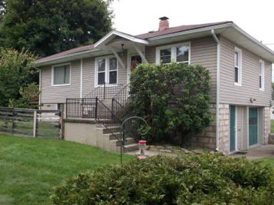 210 Fairview Ave, Beckley, WV 25801