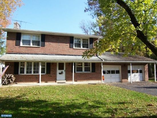 597 Meetinghouse Rd, Upper Chichester, PA 19061