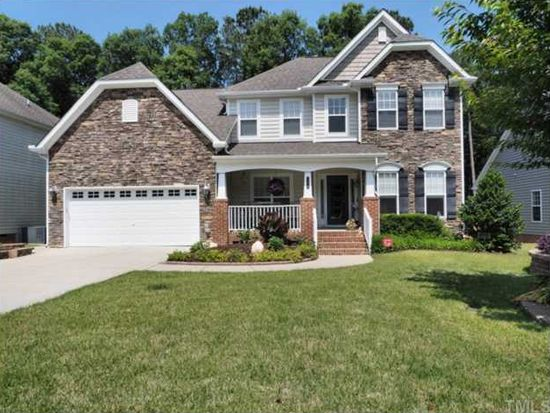 104 Chieftain Dr, Holly Springs, NC 27540