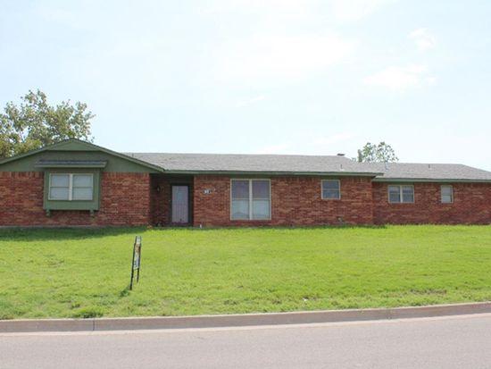 202 SW Crystal Hills Dr, Lawton, OK 73505