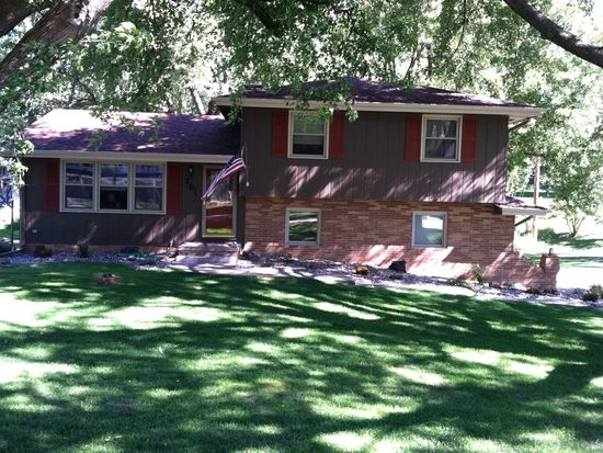 101 Wilshire Ave, Council Bluffs, IA 51503